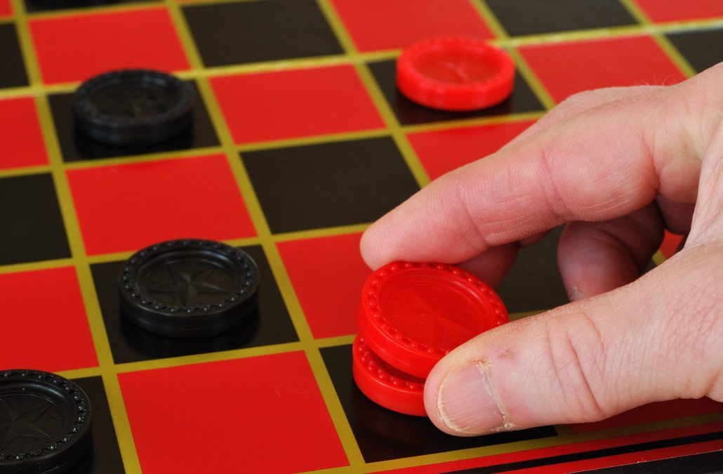 How do you play checkers? The best checkers game tutorial ...
