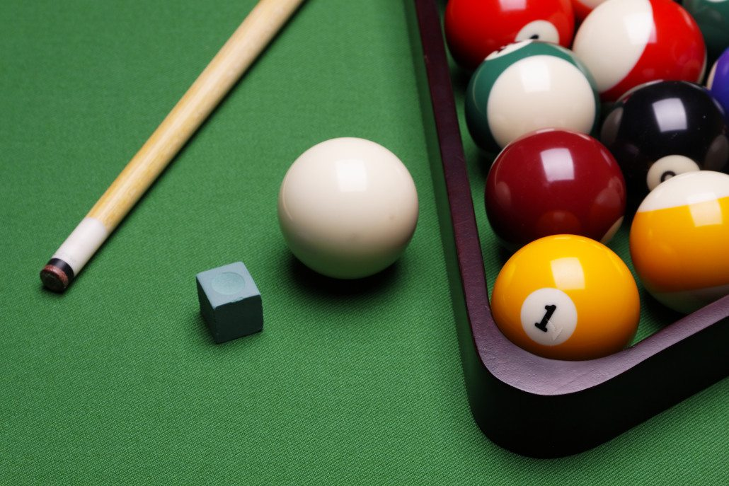 How To Play Billiards For Beginners - Play pool table near me